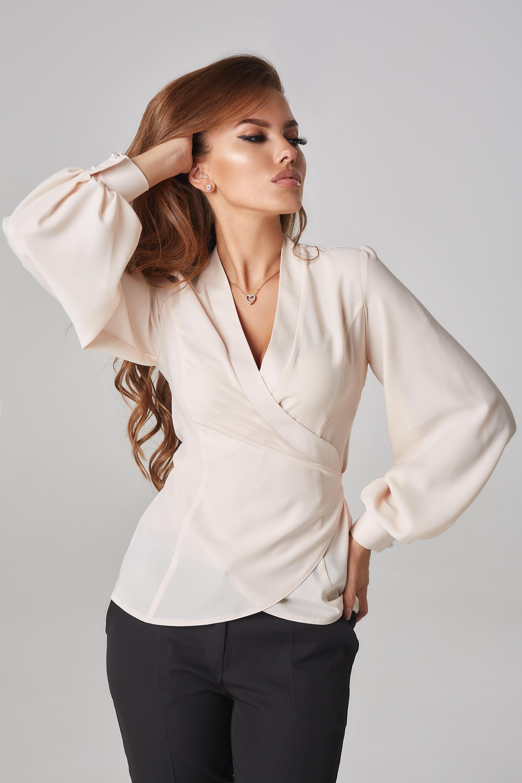 Обтянутые блузки фото