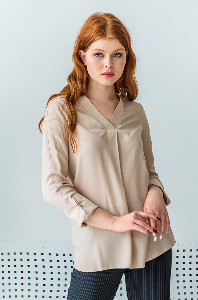 Блуза оверсайз з v-подібним розрізом Бежева Lipar