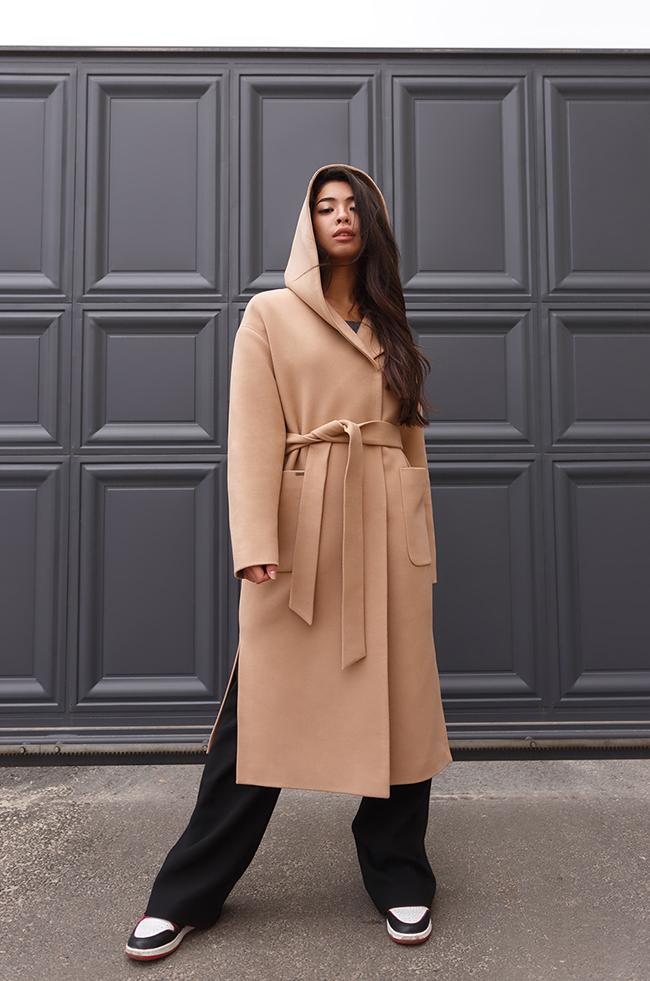 Пальто классическое с капюшоном Кемел  Lipar