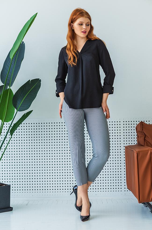 Блуза оверсайз с v-образным разрезом Черная 2180